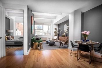 Bright Luxury Loft With City Views In Tribeca No Fee For Rent Soho Apartment Rentals Murray Street Manhattan Nest Seekers