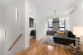 Immaculate Convertible Two-Bedroom Duplex in Greenpoint