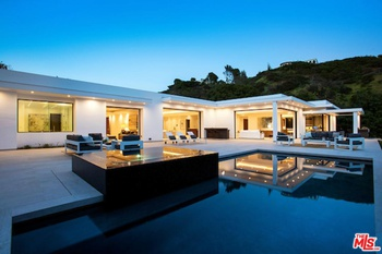 Brand New Architectural Masterpiece On The Best Street In - Hollywood-hills-architectural-masterpiece